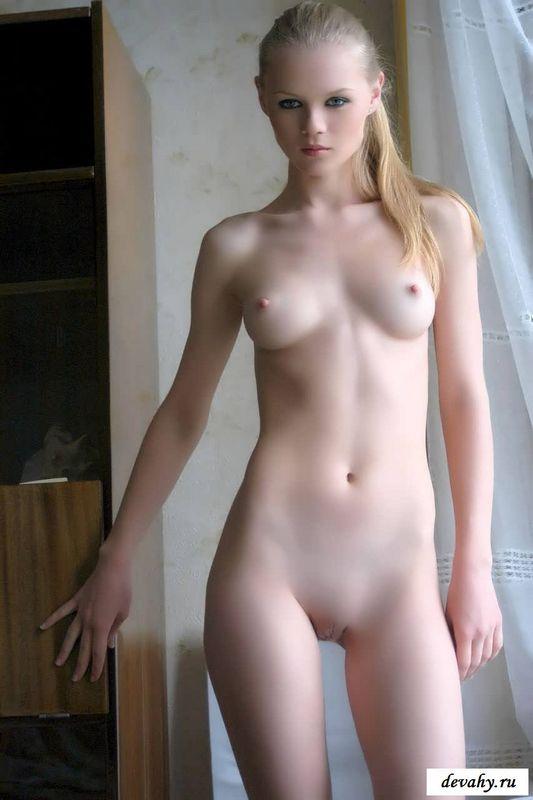 Силиконовые груди роскошных девушек  (19 фото эротики)