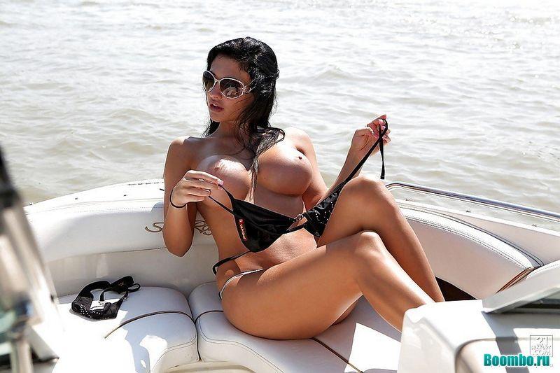 Красивое порно на яхте
